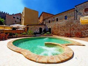 Castel Borgo Pool