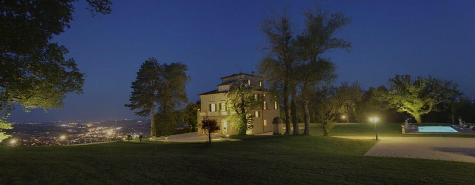 Villa Arum Lilly Nightime