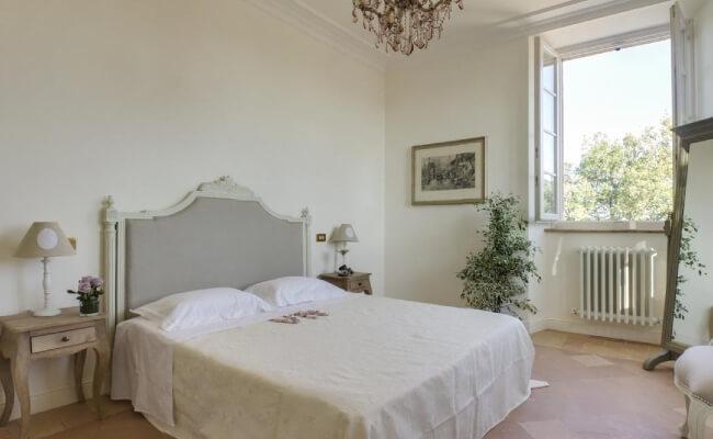 Villa-Arum-Lily-Marche