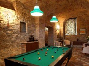 Castel Borgo Pool table
